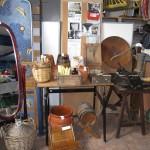 Varios objetos antiguos, espejo